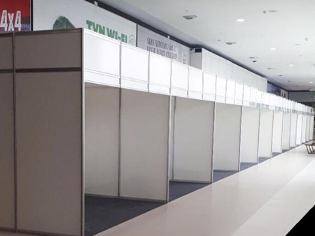 Stand-02